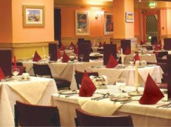 Doric Hotel: Dining Room