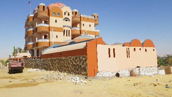 Bedouin Castle: Exterior from street