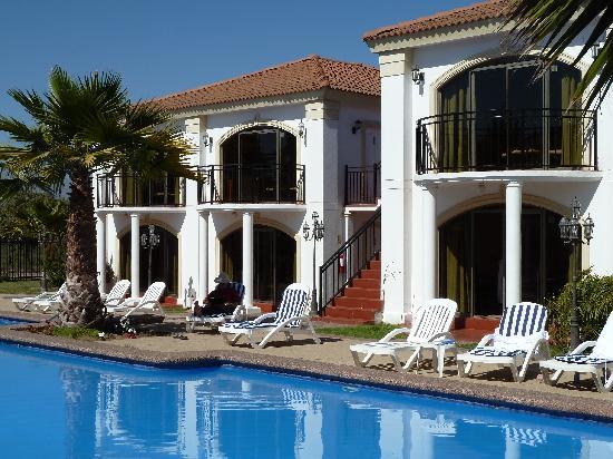 Hotel Serena Dream: Pool complex and apartments