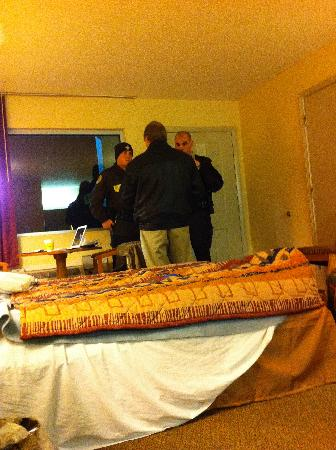 Red Roof Inn Acworth: The police respond.