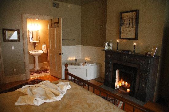Hamilton House B&B: Wrap up in a robe after soaking away your cares
