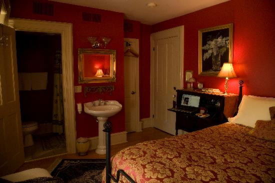 Hamilton House B&B: Variety of room styles and price points available