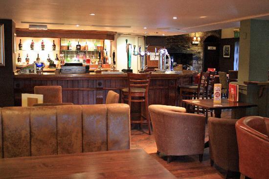 New Inn Hotel: Bar