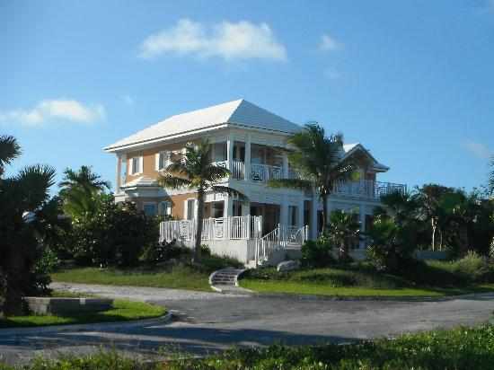 February Point Resort: Tangerine House