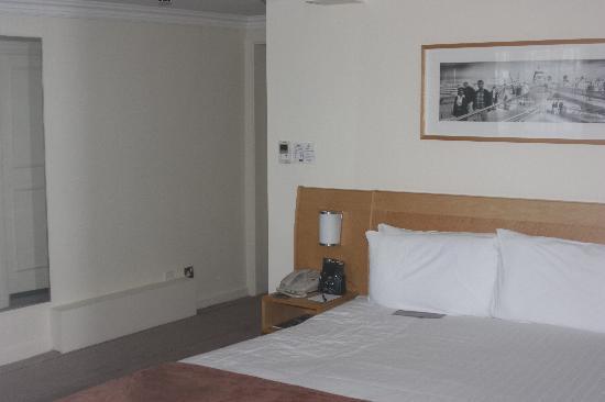 ฮิลตัน ลอนดอน กรีน พาร์ค: Hotel room