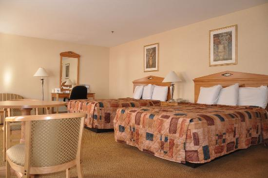 Whitney Inn & Suites: Spacious Suite