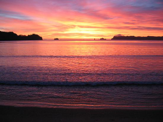 Sunrise @ Beachfront Resort, Whtianga, The coromandel, NZ