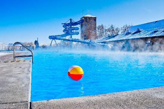 Fairmont Hot Springs Resort : Ski and Soak!!