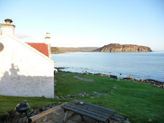 Kintyre Cottages : Cottage Looking towards Davaar