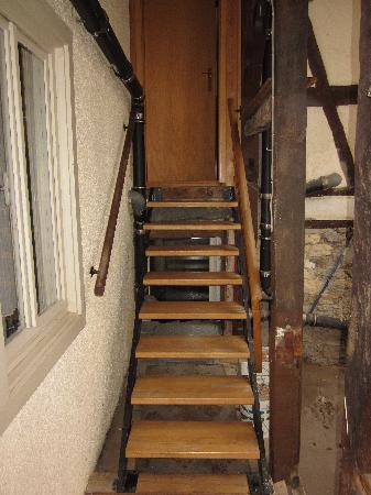Hotel Grüner Baum: Treppe zum Anbau