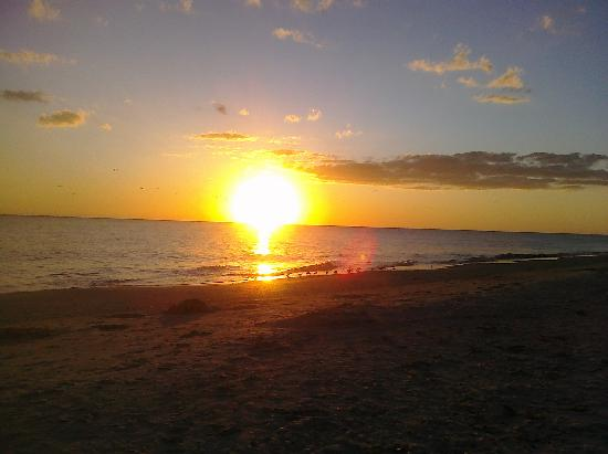 Sunset Beach Inn: RF