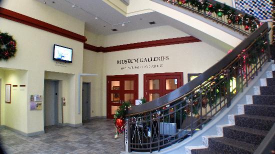 Huntsville Museum of Art: Lobby