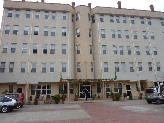Addis Regency Hotel: Addis Regency building front