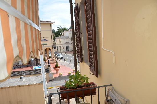 albergo Casa al Sole: Looking out