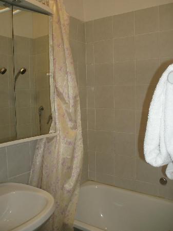 Hotel Navona: Cuarto de baño