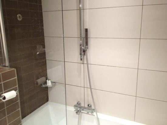 Hipark Grenoble : shower