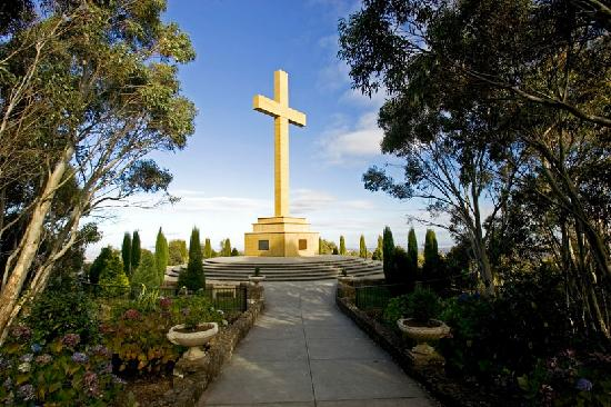 Горы Маседон, Австралия: Memorial Cross, Mount Macedon
