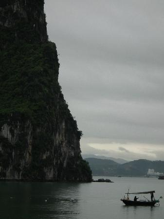 Hanoi Lucky II Hotel: tour halong bay