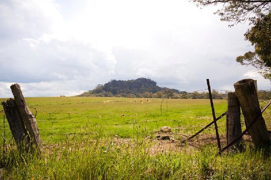 Горы Маседон, Австралия: Hanging Rock near Woodend