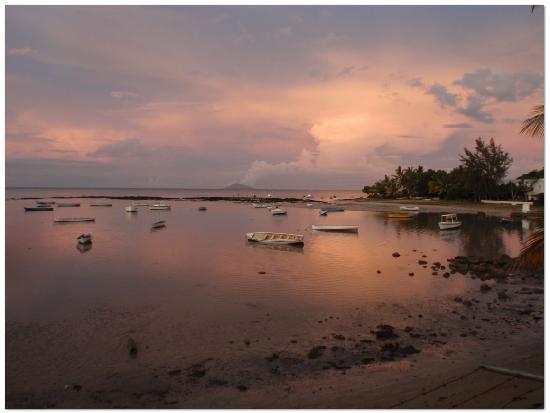 Villa Banyan : Sun set view from the swimming pool