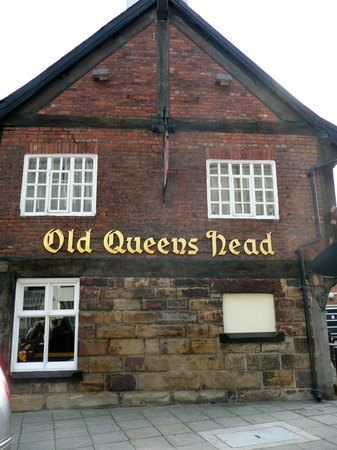 ‪The Old Queen's Head‬