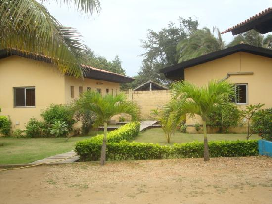 Hotel Coco Beach : вид на домики с номерами