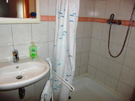 Hotel und Restaurant Goldenes Fass: Badezimmer