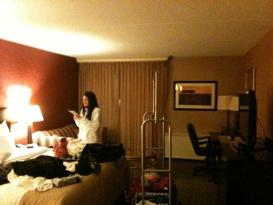 DoubleTree by Hilton Hotel Pittsburgh-Meadow Lands : nice size room for a single and if had a couch bed