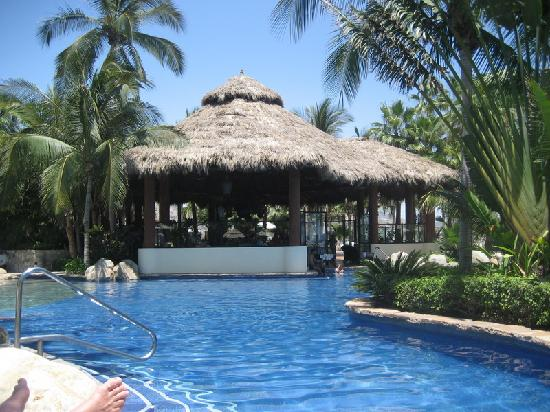 One & Only Palmilla: Pool & Bar