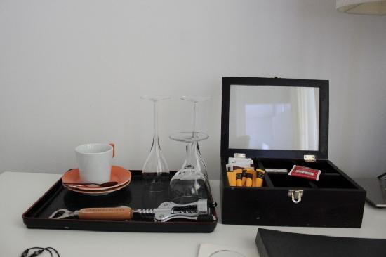 Derlon Hotel Maastricht: coffee and tea set