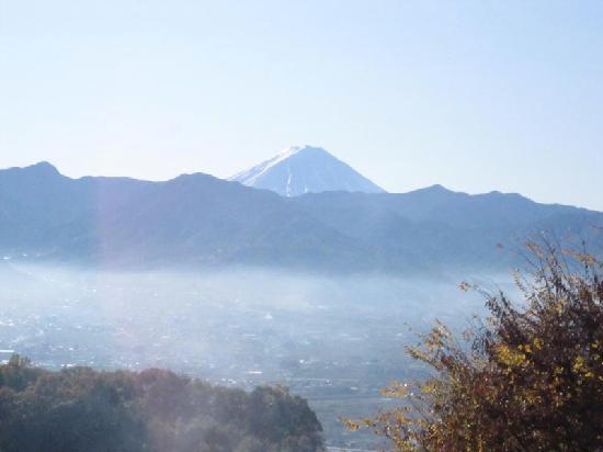 Yamanashi, Japonya: 甲府盆地と富士山が目の前に