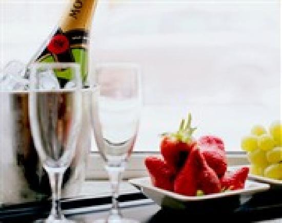 Voksenasen Hotel AS: Champagne