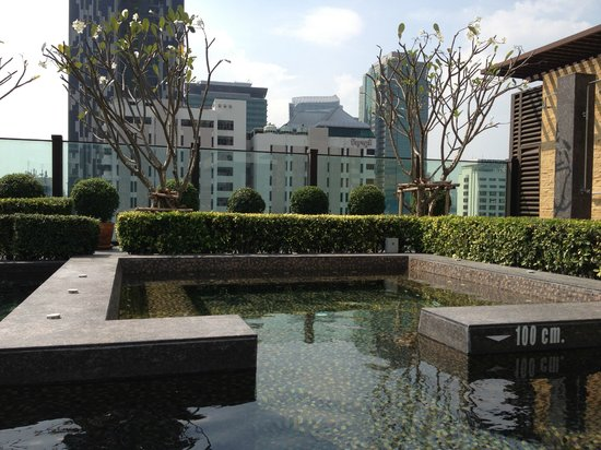 Urbana Sathorn: Outdoor cool water spa