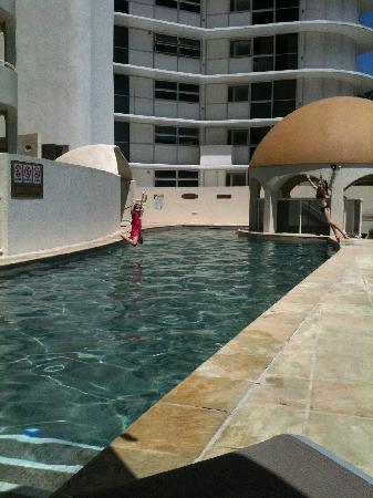 แมทราซานซิบาร์โฮเต็ล: pool area