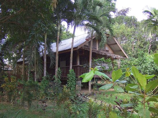 Cafe Sabang Rooms & Cottages: Cottages