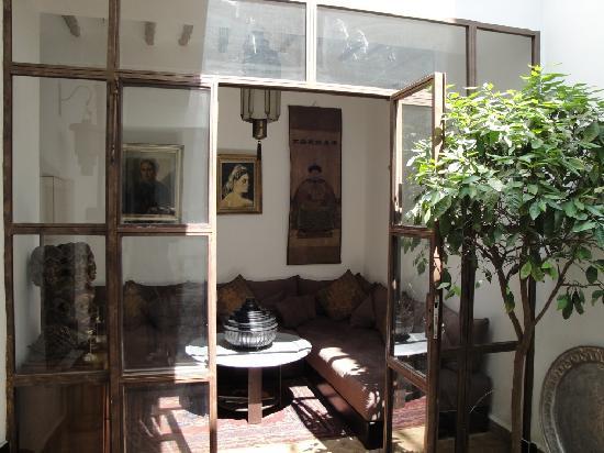 Riad Dar Thania : angolo sala piano terra