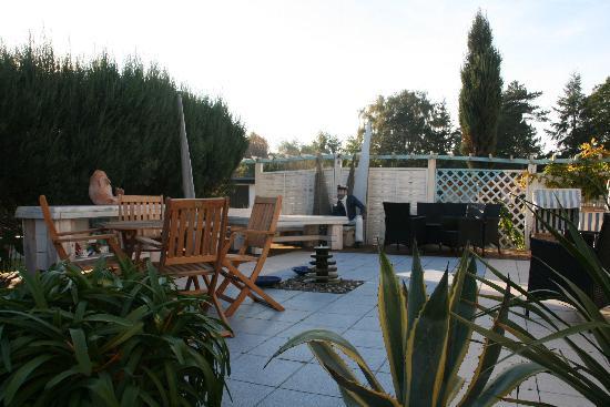 Landhotel Ostseetraum & Ferienwohnungen: Terrasse