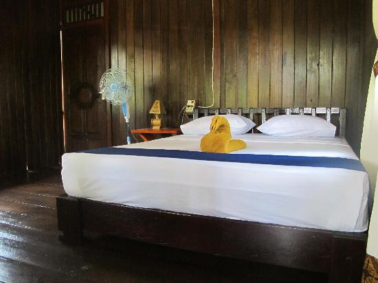 Mamaling Resort Bunaken: Cottage Interior