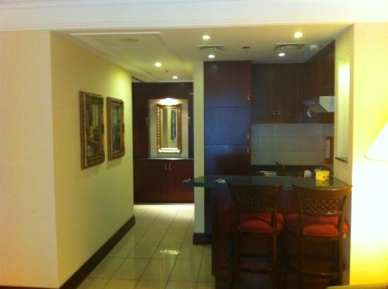 Comfort Inn & Suites Goodearth Perth: kitchen and entry
