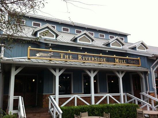 Port Orleans - Riverside Mill Foodcourt