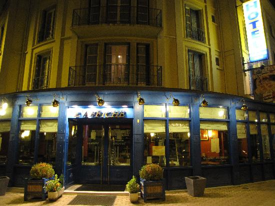 Grand Hotel Terminus Reine : Brasserie jusqu'à 23h vendredi et samedi