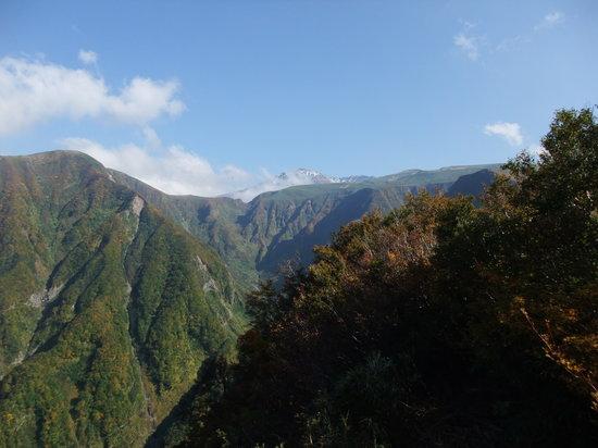 Tohoku, Japan: 鳥海山を望む