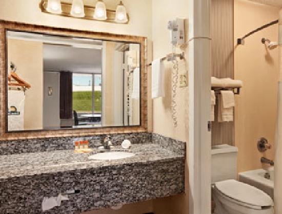 Motel 6 Cave City, KY: Bathroom