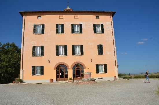 Relais Villa Grazianella - Fattoria del Cerro: The Villa Grazianella
