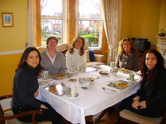 Azalea Lodge: Colazione