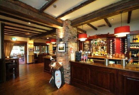Ravensworth Arms: Bar area