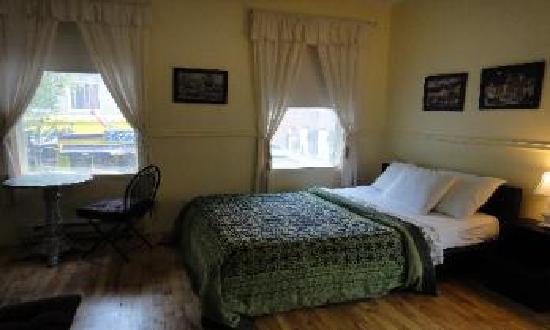 Hotel felix room 12.