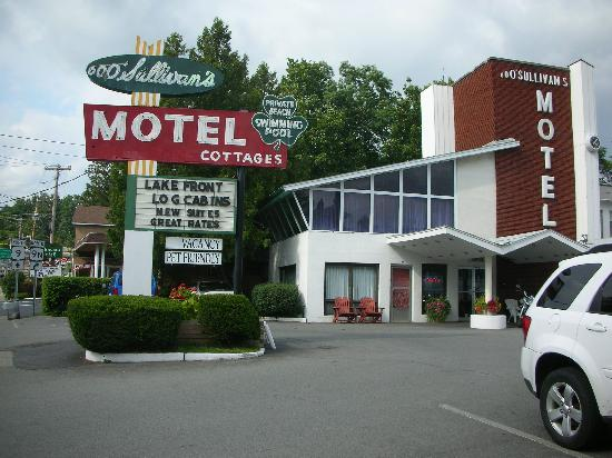 O'Sullivan's On The Lake Motel: Just as I remembered it!
