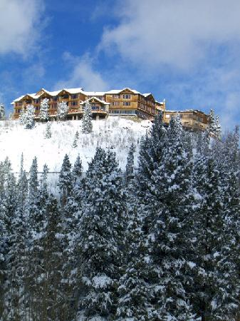 The Lodge at Breckenridge: Lodge from below