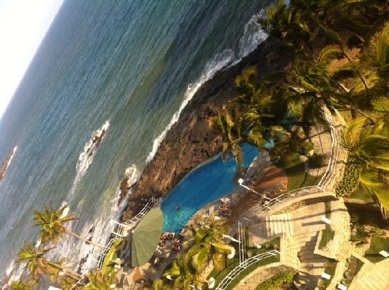 Mercure Salvador Rio Vermelho: Piscina vista do 7o andar